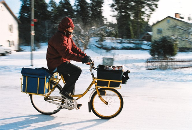 Postman_on_bicycle,_1992